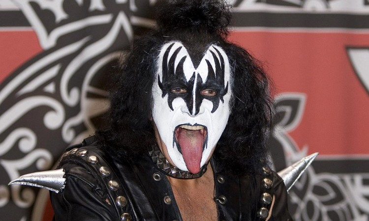 "Gene Simmons Angry Music Industry ""Didn't Have Balls"" to Sue-Em-All"