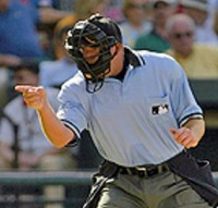 Three_Strikes_umpire